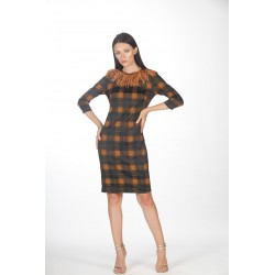 Checkered dress with feathers on the neck